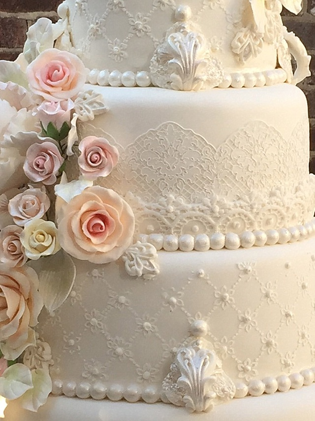 wedding cake lace frosting lace cake and pearls wedding classic sewing magazine 23051