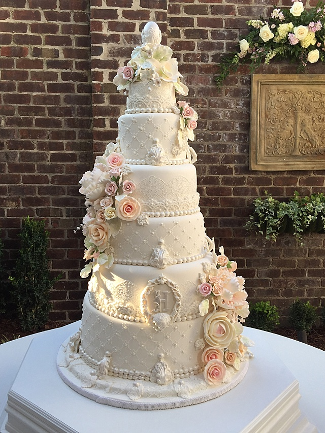 wedding cakes lace and pearl lace cake and pearls wedding classic sewing magazine 24864